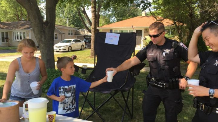 Police Buys Lemonade At Girl's Stand, But The Next Day Cops Surround Her